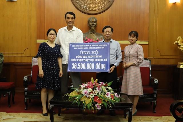 Tiếp nhận ủng hộ từ Cộng đồng người Việt Nam tại thành phố Gardelegen, bang Sachsen Anhalt, Cộng hòa Liên bang Đức.