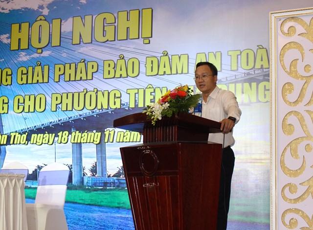 Ông Khuất Việt Hùng PCT UBATGT Quốc gia phát biểu tại Hội nghị