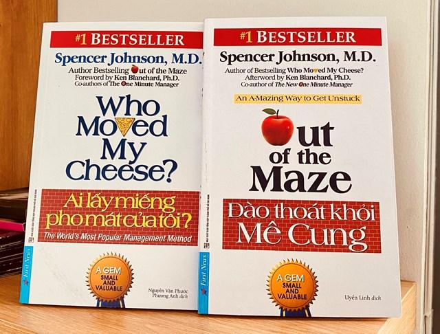 """Cuốn sách """"Đào thoát khỏi Mê Cung"""" của tác giả Spencer Johnson vừa được dịch ra tiếng Việt phục vụ bạn đọc trong nước."""