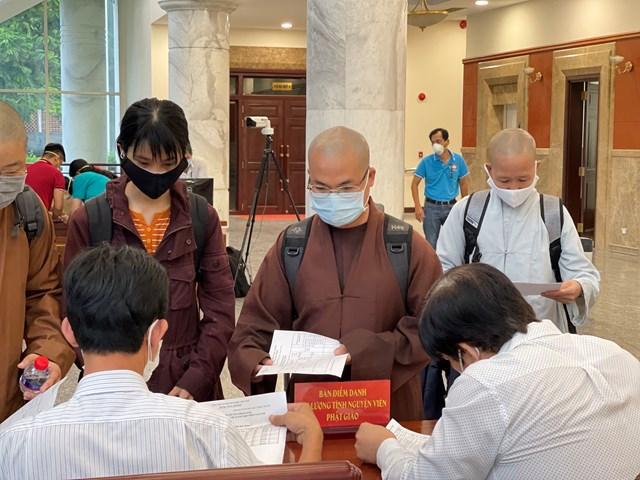 Những ngày qua, Phật giáo ở nhiều địa phương đã tích cực chung tay công tác phòng, chống dịch và hỗ trợ người dân gặp khó khăn .
