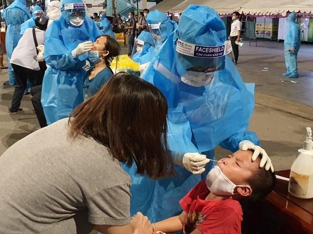 Phát hiện hơn 80 công nhân nhiễm Covid-19 trong công ty '3 tại chỗ'