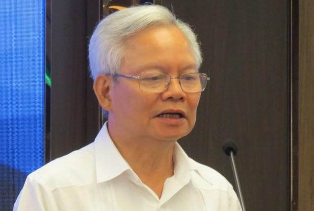 GS.TS Tạ Ngọc Tấn phát biểu tại Hội thảo.