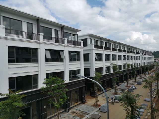 Apec Diamond Park Lạng Sơn đã hoàn thiện 180 căn Shophouse 4 tầng và chính thức bàn giao nhà cho khách hàng.