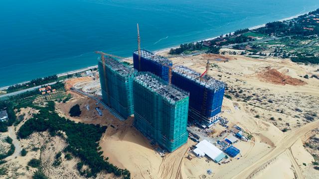Apec Mandala Wyndham Mũi Né đã xây dựng đến tầng 20.