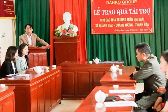 Ông Văn Doãn Chung, Chủ tịch UBND xã Quảng Giao chia sẻ tại lễ tài trợ.