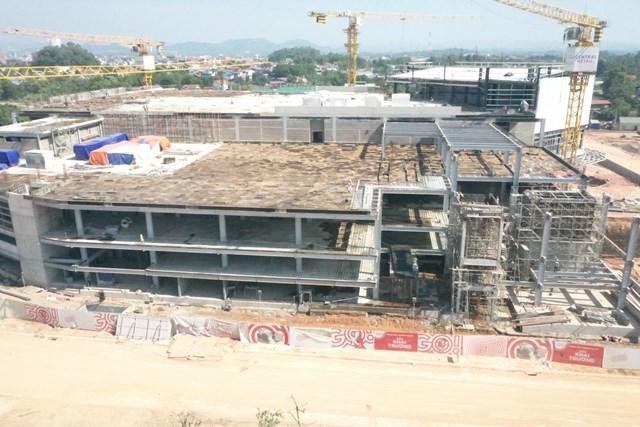 Khu vực dự án nằm cạnh TTTM Big C đang được gấp rút thi công.