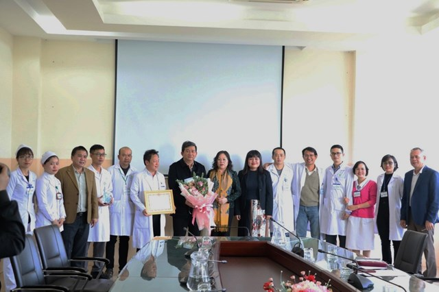 Đoàn công tác làm việc tạiBệnh viện Đa khoa Thiện Hạnh.
