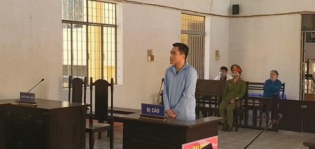 Bị cáo Long Thanh Tú tại phiên tòa.