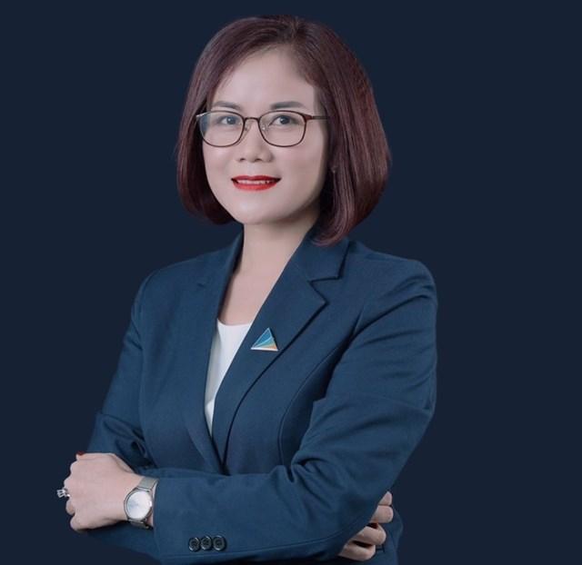 Bà Hoàng Thị Kim Dung - Giám đốc Kinh doanh Đất xanh miền Bắc.