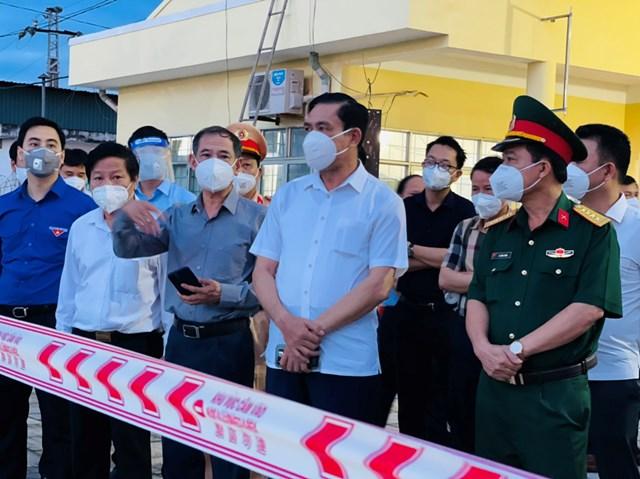 Chủ tịch UBND tỉnh Hà Tĩnh Võ Trọng Hải cùng lực lượng chức năng sẵn sàng đón công dân Hà Tĩnh trở về.