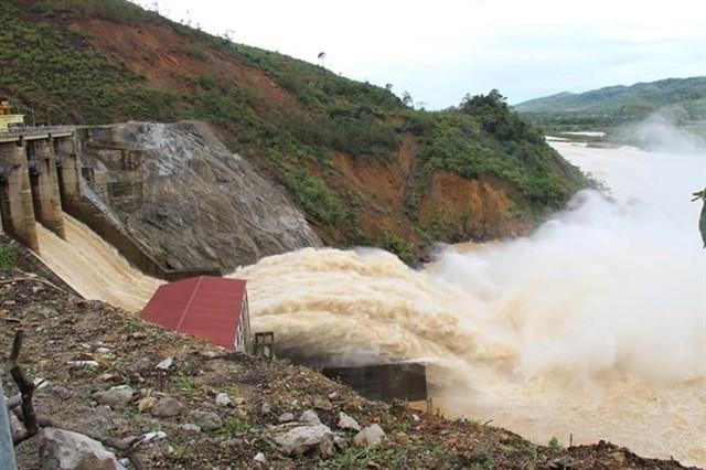Thủy điện Hố Hô điều tiết xả lũ để đảm bảo an toàn cho hạ du.