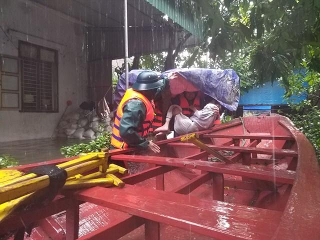 Hà Tĩnh: Ngập lụt vùng hạ du hồ Kẻ Gỗ vẫn đang phức tạp