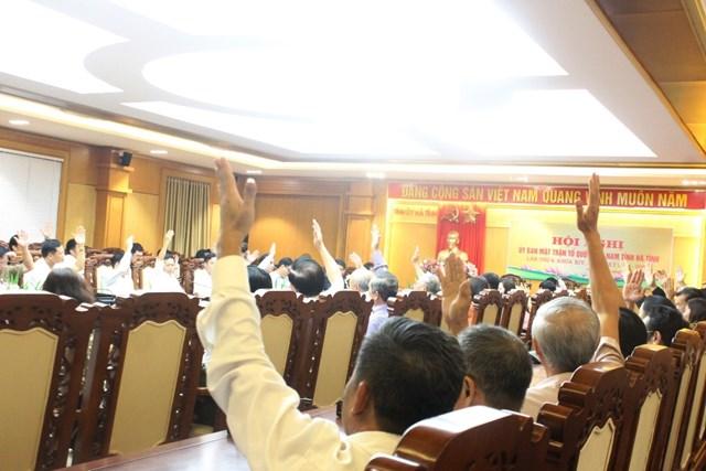 Ủy viên Ủy ban MTTQ tỉnh Hà Tĩnh hiệp thương.