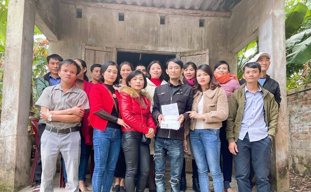 Bạn học của anh Hoàng Văn Tuấn chung tay giúp đỡ.