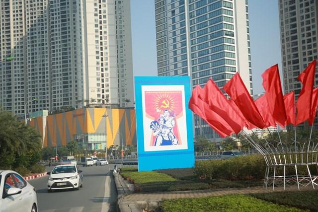 Đường phố Hà Nội thay áo mới chào mừng Đại hội toàn quốc lần thứ XIII của Đảng - Ảnh 5
