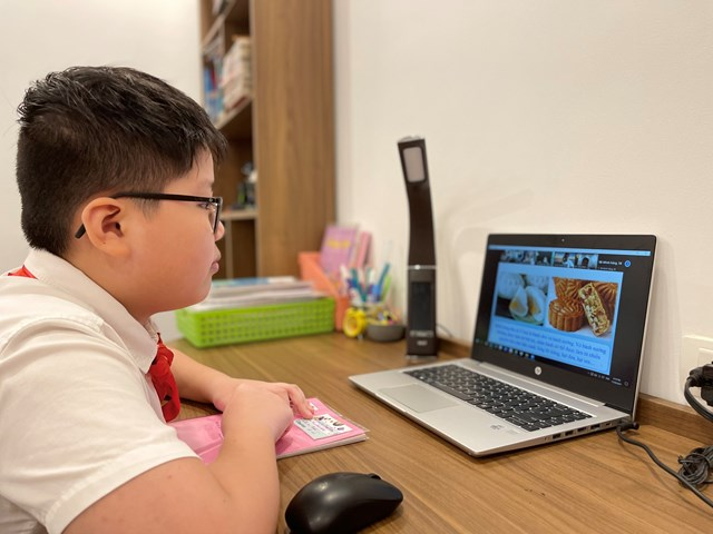 Nhiều phụ huynh mong muốn giai đoạn học trực tuyến của con sớm kết thúc.