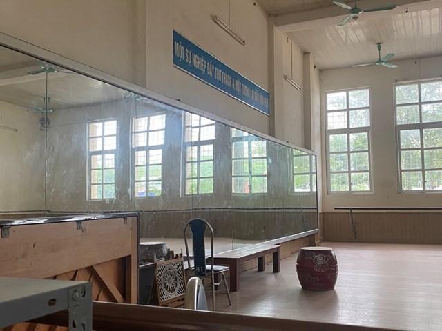 Phòng tập của Học viện Múa Việt Nam đóng cửa nhiều tháng nay do dịch bệnh.