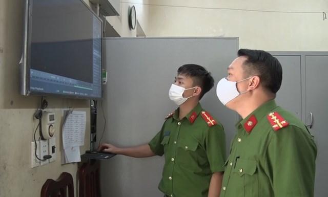 Công an Hà Nam trích xuất camera ghi lại việc L. từ TP HCM về, không khai báo y tế mà đi thuê nhà trọ tại thị xã Duy Tiên.