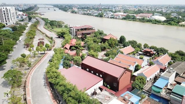 Khu du lịch sinh thái Lưu Gia Trang bị kết luận vi phạm nhiều quy định về đất đai, đê điều và xây dựng.