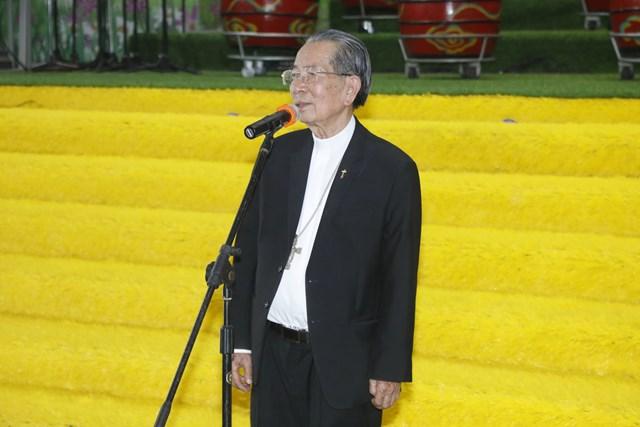 Giám mục Phêrô Nguyễn Văn Đệ, Giám mục Giáo phận Thái Bình phát biểu. Ảnh: Quang Vinh.