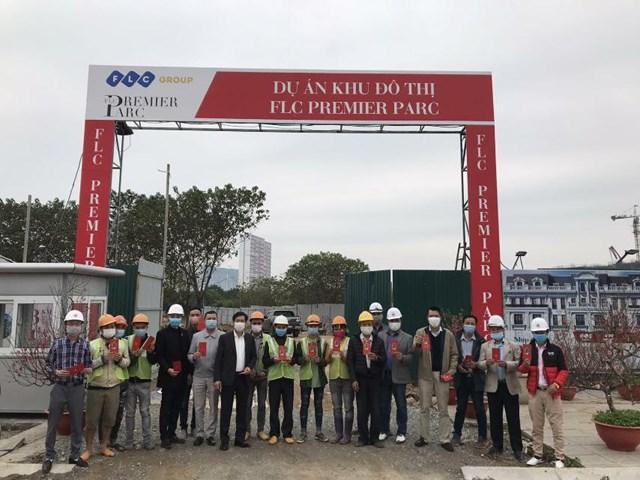 Lãnh đạo Tập đoàn thăm và chúc Tết tại công trường nhiều dự án của FLC trong sáng mùng 1 Tết.