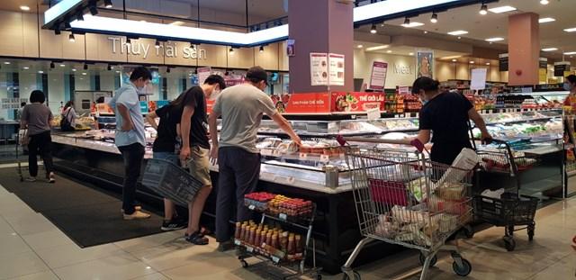 Gian hàng đông lạnh cũng thu hút được nhiều người mua.