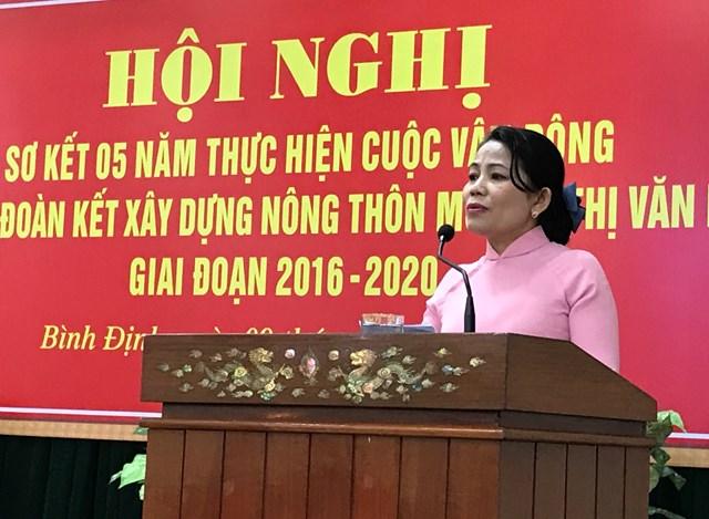 Chủ tịch Ủy ban MTTQ Việt Nam tỉnh Nguyễn Thị Phong Vũ phát biểu tại Hội nghị.