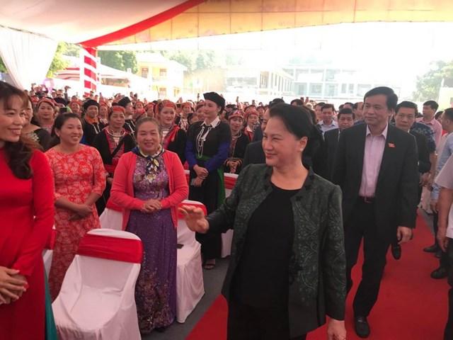 Chủ tịch Quốc hội Nguyễn Thị Kim Ngân dự Ngày hội Đại đoàn kết cùng xã Quang Minh, huyện Văn Yên, Yên Bái.