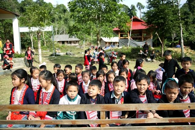 Hà Giang: Trẻ em Nà Bó hạnh phúc trong lễ khánh thành điểm trường mới - Ảnh 6