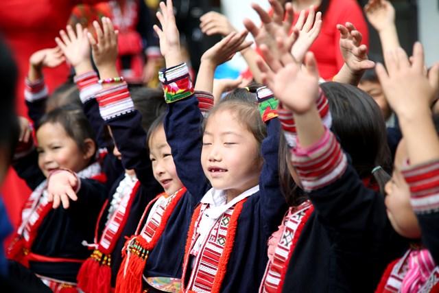Hà Giang: Trẻ em Nà Bó hạnh phúc trong lễ khánh thành điểm trường mới - Ảnh 5