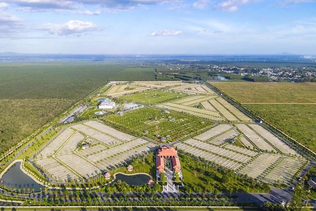 Cận cảnh hoa viên nghĩa trang hơn 2.000 tỷ đồng - Ảnh 2
