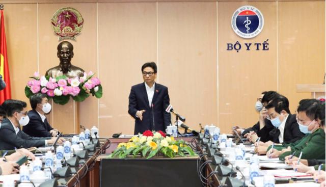 Phó Thủ tướng Chính phủ Vũ Đức Đam, Trưởng Ban Chỉ đạo Quốc gia Phòng chống dịch Covid-19 phát biểu tại cuộc họp. (Ảnh: Tuấn Anh)