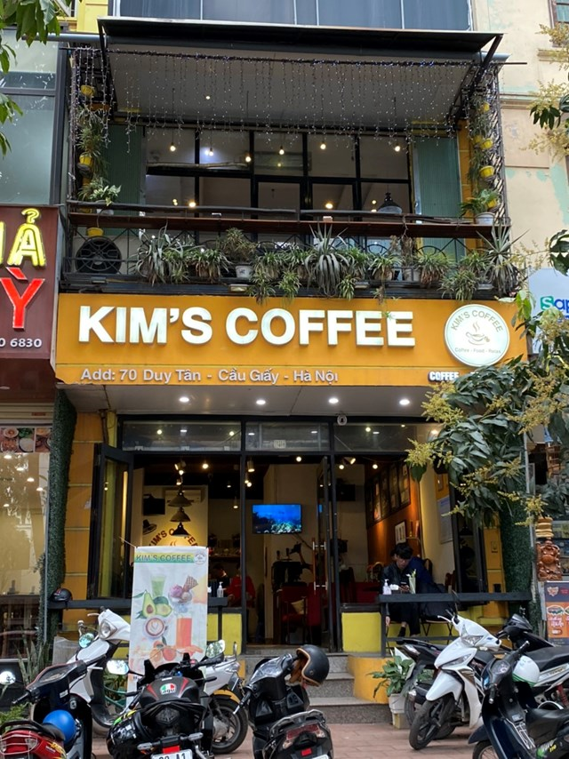 [ẢNH] Người dân Thủ đô tấp nập uống cafe từ sáng sớm - Ảnh 8