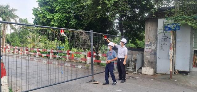 Hà Nội: Người dân không di chuyển qua các cầu có chốt cứng rào chắn - Ảnh 1