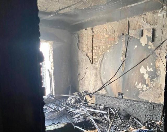 Căn hộ bị hư hỏng nặng sau đám cháy, (Nguồn: Sưu tầm).