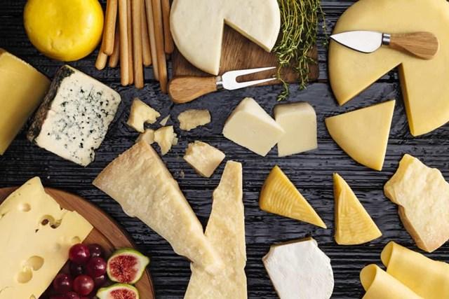 Quá trình lên men phá vỡ đường lactose trong sữa, vì vậy phô mai và sữa chua lên men có thể dễ tiêu hóa hơn đối với những người không dung nạp đường lactose.
