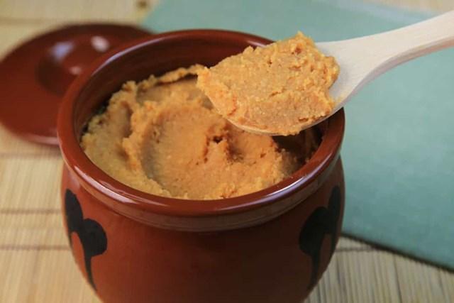 Miso là một loại tương mặn được làm bằng cách lên men đậu nành, đó là một yếu tố quan trọng trong ẩm thực Nhật Bản, nhưng bột đậu tương lên men tương tự có thể được tìm thấy ở một số quốc gia châu Á.