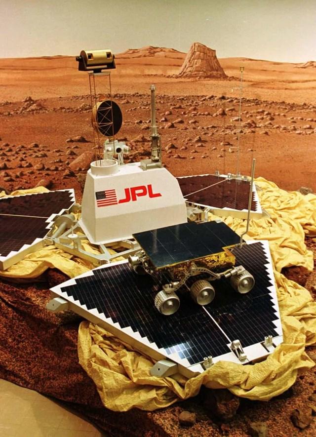 Những tàu đổ bộ hạ cánh thành công trên Sao Hỏa - Ảnh 6