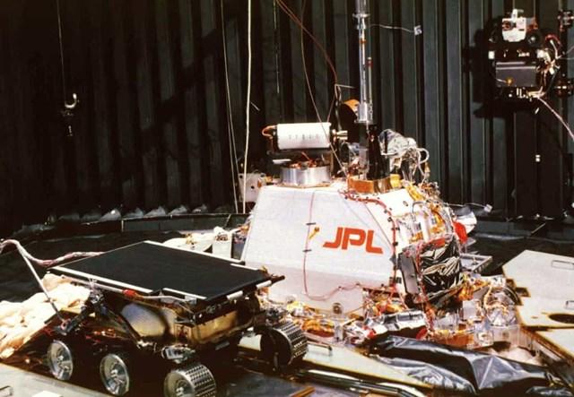 Những tàu đổ bộ hạ cánh thành công trên Sao Hỏa - Ảnh 5