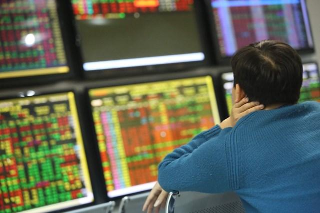 Thị trường chứng khoán được dự báo là một trong những kênh đầu tư hấp dẫn trong năm 2021. Ảnh: Quang Vinh.