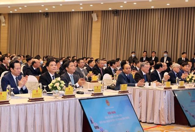 Thủ tướng Nguyễn Xuân Phúc cùng các đại biểu dự hội nghị. Ảnh: Thống Nhất/TTXVN.