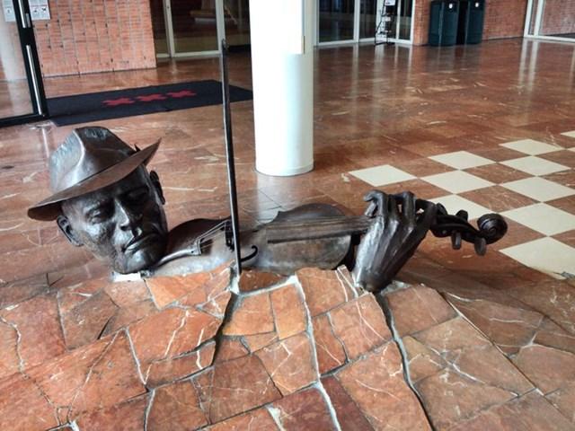 Những tác phẩm điêu khắc 'khó tin là thực sự tồn tại' - Ảnh 6