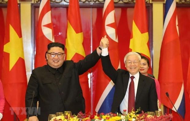 Tổng Bí thư, Chủ tịch nước Nguyễn Phú Trọng chào mừng Chủ tịch Triều Tiên Kim Jong-un tại buổi tiệc chiêu đãi chào mừng tối 1/3/2019. Ảnh: Trí Dũng/TTXVN.