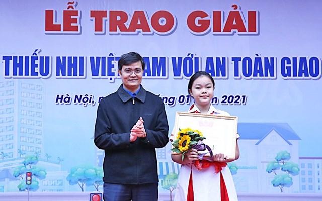 """Trao giải """"Thiếu nhi Việt Nam với an toàn giao thông"""" năm 2020 - Ảnh 1"""