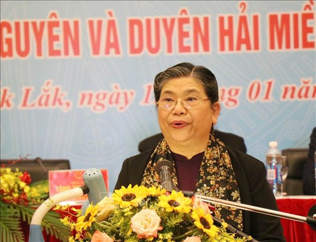 Ủy viên Bộ Chính trị, Phó Chủ tịch thường trực Quốc hội Tòng Thị Phóng phát biểu tại Hội thảo. Ảnh: TTXVN.