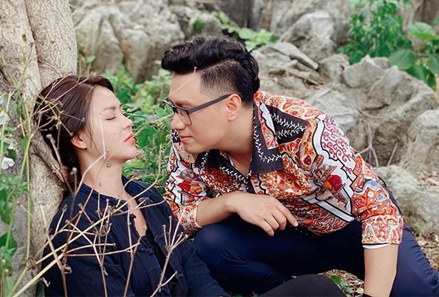 Việt Anh đau đầu vì tạo hình đồng bóng trong 'Hướng dương ngược nắng' - Ảnh 1