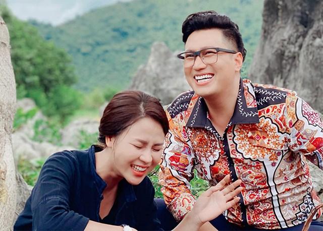 Việt Anh đau đầu vì tạo hình đồng bóng trong 'Hướng dương ngược nắng' - Ảnh 2