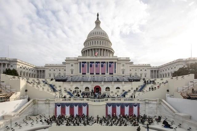 Dàn quân nhạc diễn tập cho Lễ nhậm chức tại Điện Capitol Mỹ.