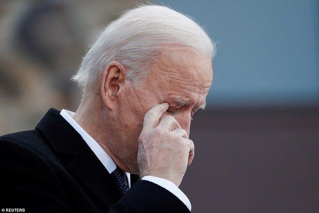 Ông Biden xúc động trong bài phát biểu ở bang Delaware trước khi tới Washington DC. Ảnh: Reuters.