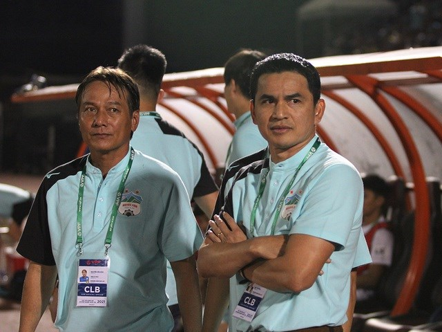 Kiatisuk cần có chiến thắng để tiếp thêm niềm tin cho các học trò tại V-League. Ảnh: Trọng Vũ.